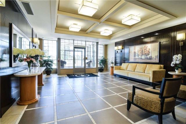 Condo Apartment at 2365 Central Park Dr, Unit 907, Oakville, Ontario. Image 12