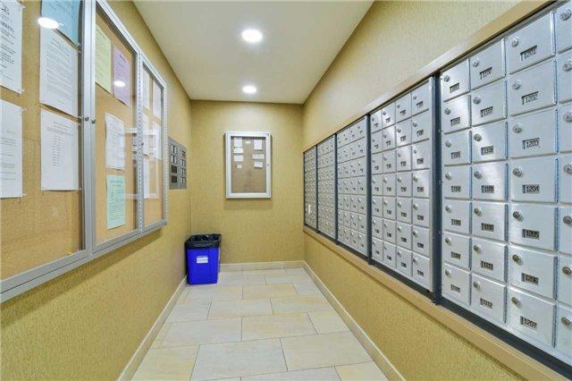 Condo Apartment at 2365 Central Park Dr, Unit 907, Oakville, Ontario. Image 14