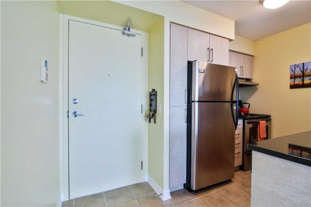 Condo Apartment at 2365 Central Park Dr, Unit 907, Oakville, Ontario. Image 16