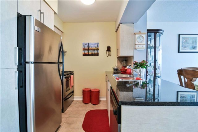 Condo Apartment at 2365 Central Park Dr, Unit 907, Oakville, Ontario. Image 18