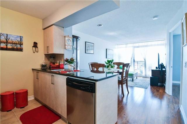 Condo Apartment at 2365 Central Park Dr, Unit 907, Oakville, Ontario. Image 19