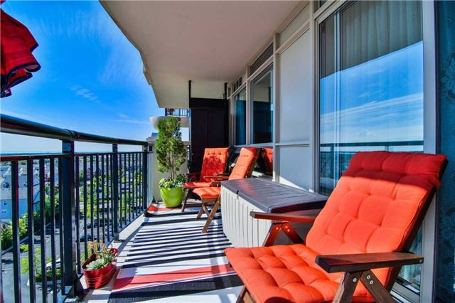 Condo Apartment at 2365 Central Park Dr, Unit 907, Oakville, Ontario. Image 8