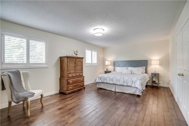 Detached at 2103 Summer Heights Tr, Oakville, Ontario. Image 20