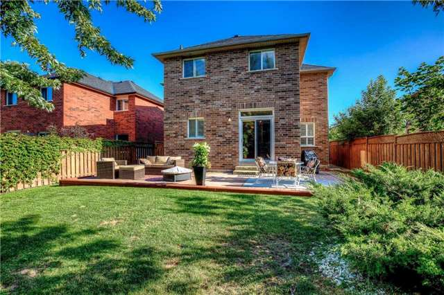Detached at 2103 Summer Heights Tr, Oakville, Ontario. Image 10