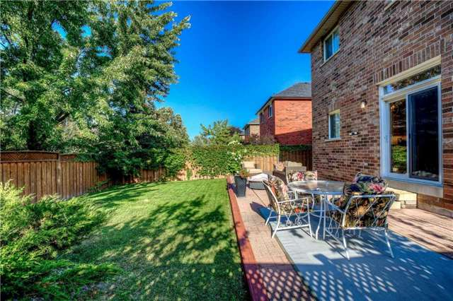 Detached at 2103 Summer Heights Tr, Oakville, Ontario. Image 11