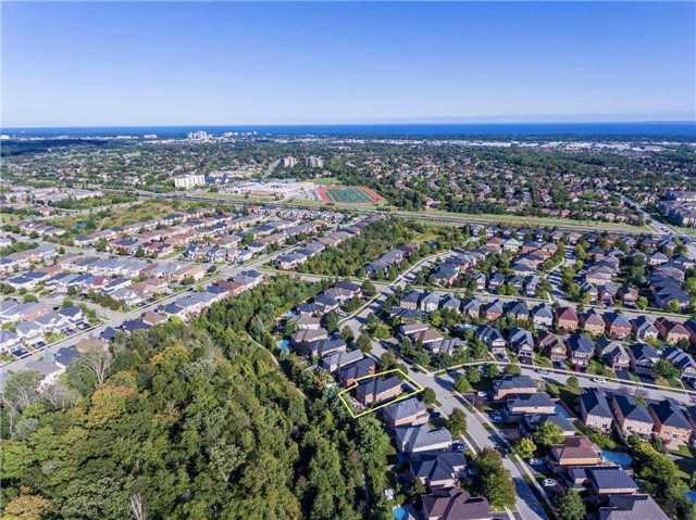 Detached at 2103 Summer Heights Tr, Oakville, Ontario. Image 13