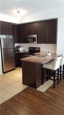 Condo Townhouse at 383 Prince Of Wales Dr, Unit 104, Mississauga, Ontario. Image 10