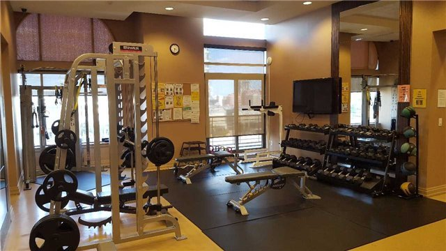 Condo Townhouse at 383 Prince Of Wales Dr, Unit 104, Mississauga, Ontario. Image 7