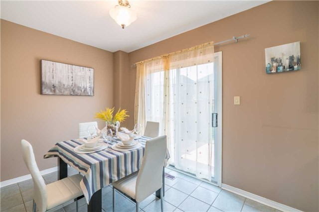 Detached at 2090 Frontier Dr, Oakville, Ontario. Image 16