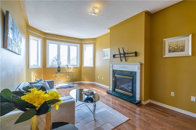 Detached at 2090 Frontier Dr, Oakville, Ontario. Image 17
