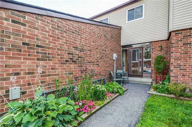 Condo Townhouse at 550 Childs Dr, Unit 13, Milton, Ontario. Image 12