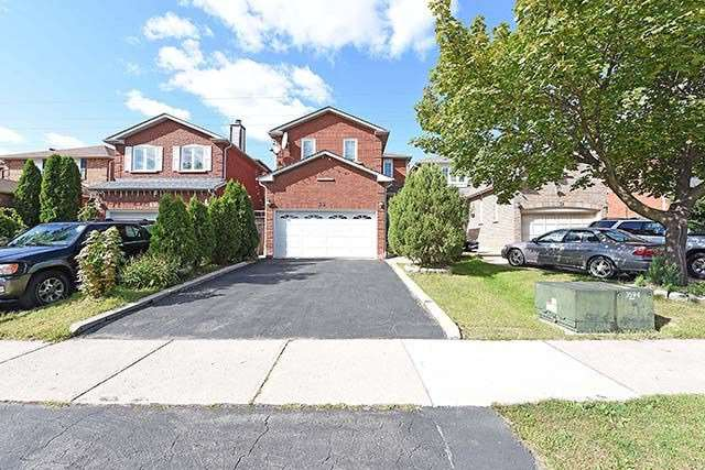 Detached at 33 Pennsylvania Ave, Brampton, Ontario. Image 1