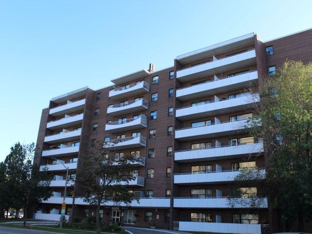 Condo Apartment at 3320 Fieldgate Dr, Unit 203, Mississauga, Ontario. Image 1