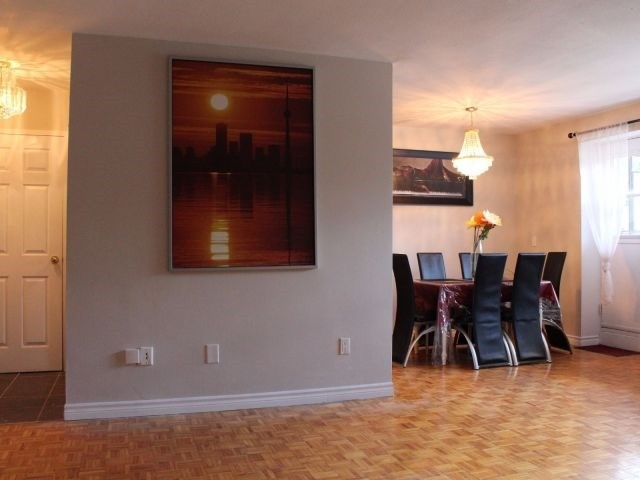 Condo Apartment at 3320 Fieldgate Dr, Unit 203, Mississauga, Ontario. Image 2