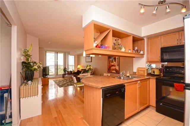 Condo Apartment at 4090 Living Arts Dr, Unit 2309, Mississauga, Ontario. Image 16