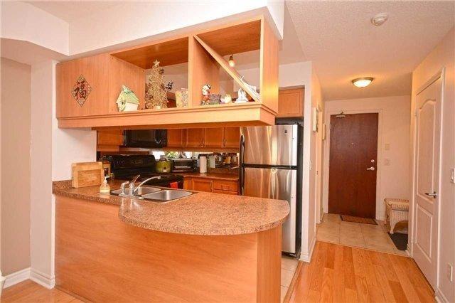 Condo Apartment at 4090 Living Arts Dr, Unit 2309, Mississauga, Ontario. Image 18