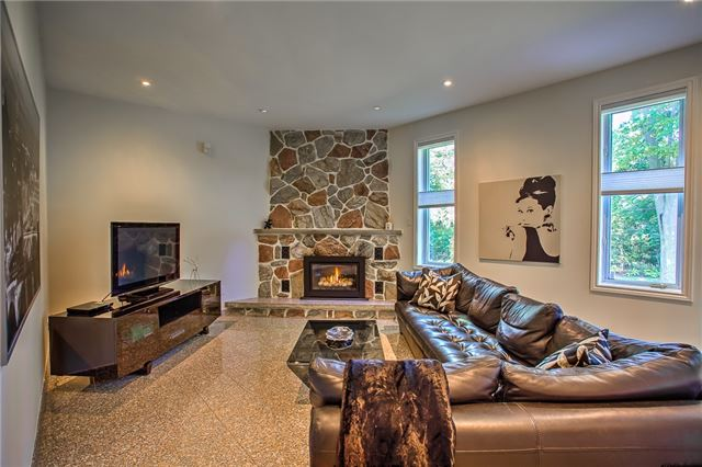 Detached at 74 Thorncrest Rd, Toronto, Ontario. Image 17