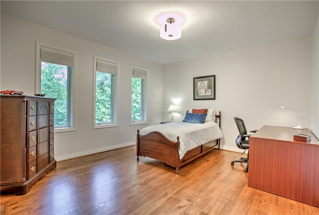 Detached at 74 Thorncrest Rd, Toronto, Ontario. Image 4