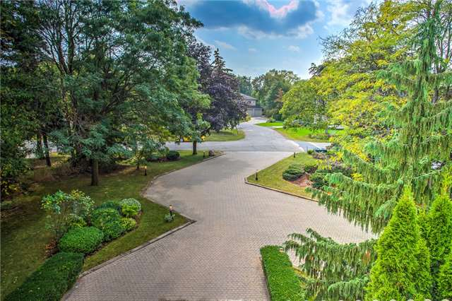 Detached at 74 Thorncrest Rd, Toronto, Ontario. Image 13