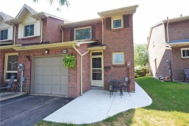 Semi-detached at 4054 Farrier Crt, Mississauga, Ontario. Image 1