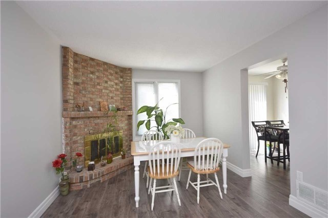 Semi-detached at 4054 Farrier Crt, Mississauga, Ontario. Image 10