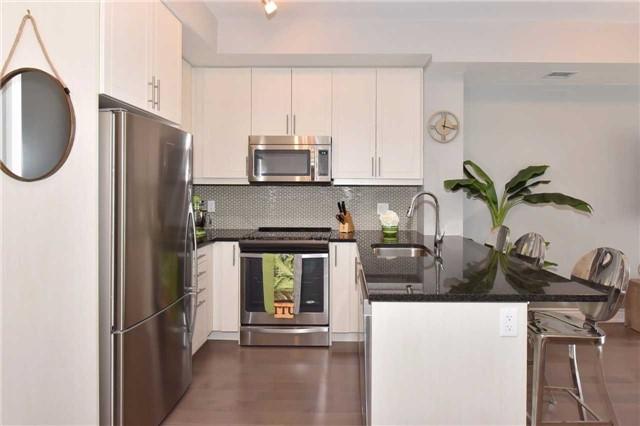 Condo Apartment at 3170 Erin Mills  Pkwy, Unit 323, Mississauga, Ontario. Image 19