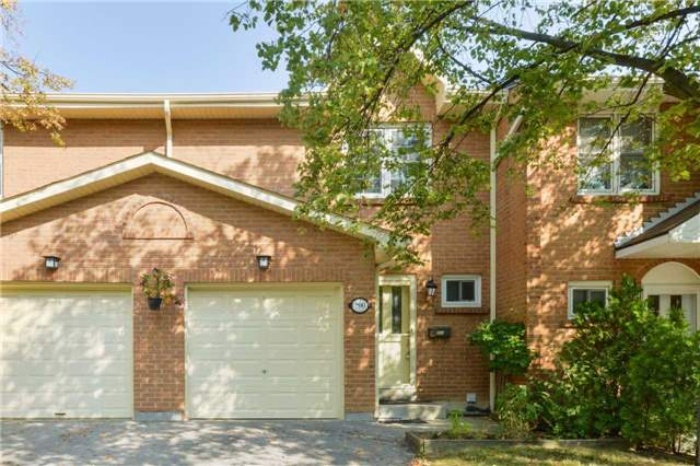 Condo Townhouse at 1951 Rathburn Rd E, Unit 200, Mississauga, Ontario. Image 1