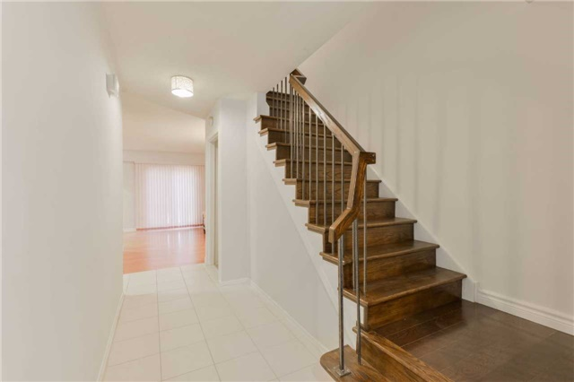Condo Townhouse at 1951 Rathburn Rd E, Unit 200, Mississauga, Ontario. Image 15
