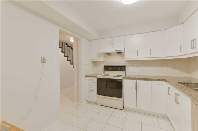 Condo Townhouse at 1951 Rathburn Rd E, Unit 200, Mississauga, Ontario. Image 18
