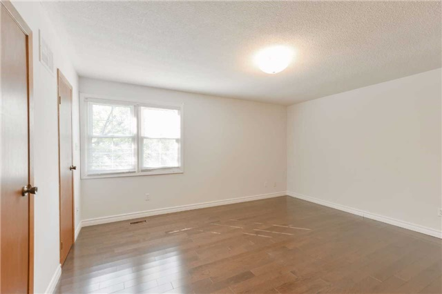 Condo Townhouse at 1951 Rathburn Rd E, Unit 200, Mississauga, Ontario. Image 3
