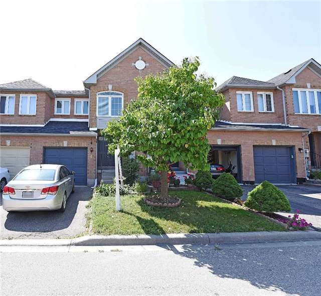 Condo Townhouse at 4 Goldberry Crt, Brampton, Ontario. Image 1