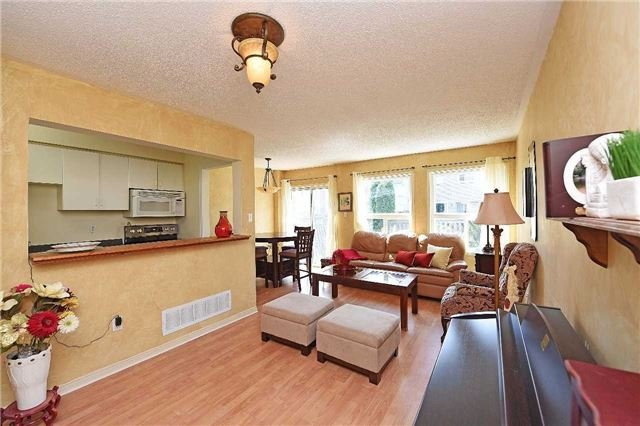Condo Townhouse at 4 Goldberry Crt, Brampton, Ontario. Image 5