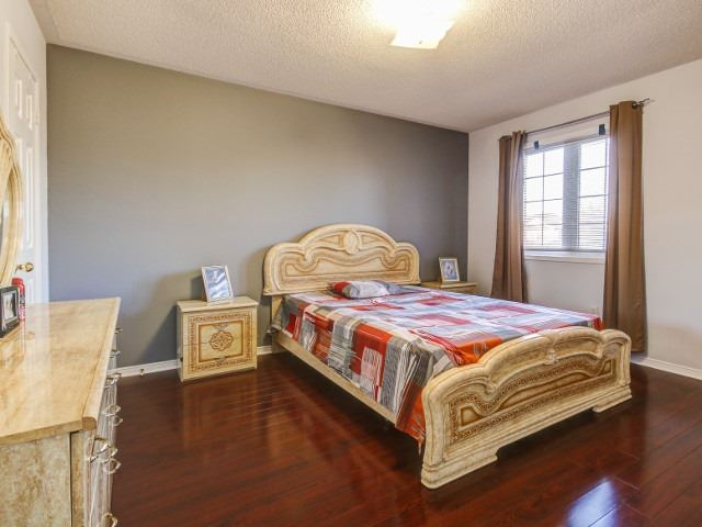 Detached at 176 Luella Cres, Brampton, Ontario. Image 10