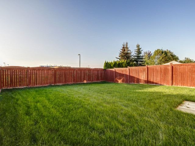 Detached at 176 Luella Cres, Brampton, Ontario. Image 13