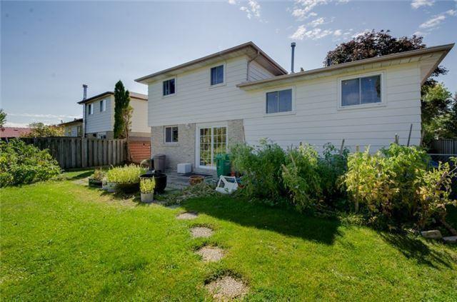 Detached at 26 Greenbriar Rd, Brampton, Ontario. Image 10
