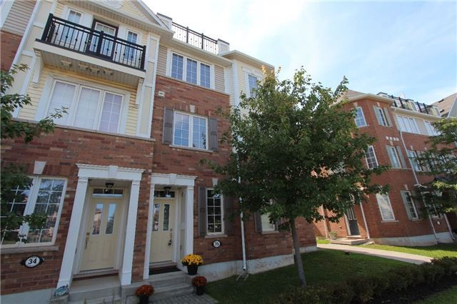 Condo Townhouse at 2614 Dashwood Dr, Unit 35, Oakville, Ontario. Image 9