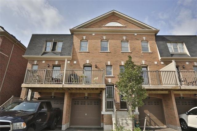 Condo Townhouse at 61 Battalion Rd, Brampton, Ontario. Image 1
