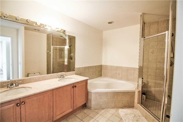 Condo Apartment at 35 Kingsbridge Garden Circ, Unit 2704, Mississauga, Ontario. Image 7