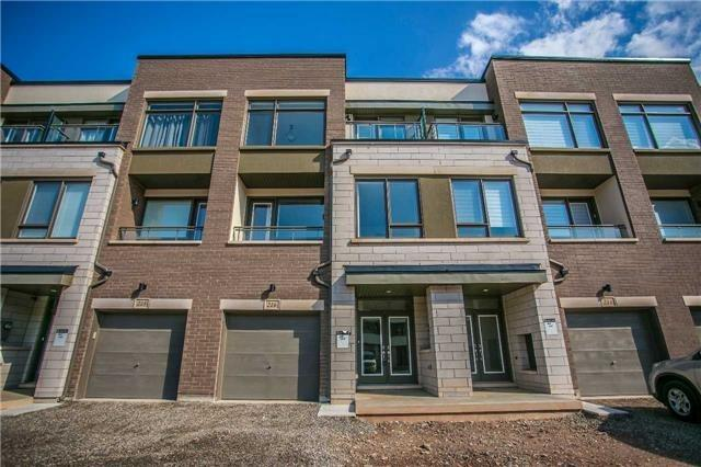 Townhouse at 216 Wheat Boom Dr, Oakville, Ontario. Image 1
