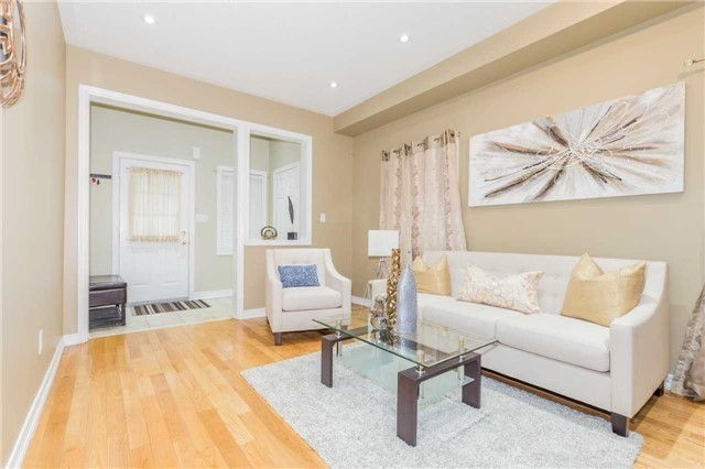 Detached at 1031 Eager Rd, Milton, Ontario. Image 15