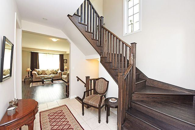 Detached at 3224 Carding Mill Tr, Oakville, Ontario. Image 15