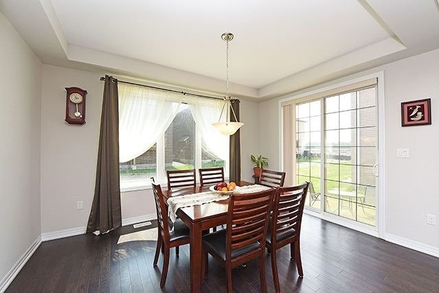 Detached at 3224 Carding Mill Tr, Oakville, Ontario. Image 17