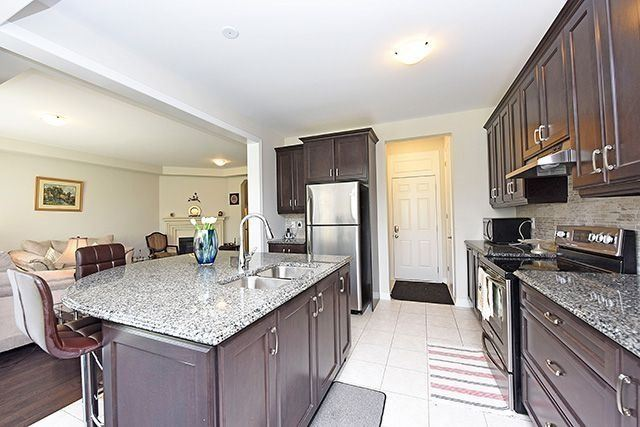 Detached at 3224 Carding Mill Tr, Oakville, Ontario. Image 18