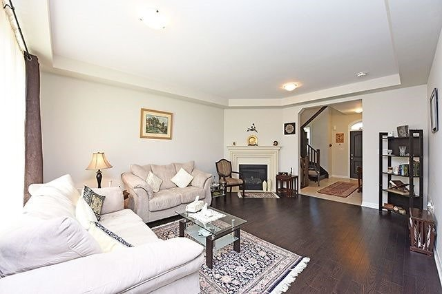 Detached at 3224 Carding Mill Tr, Oakville, Ontario. Image 19
