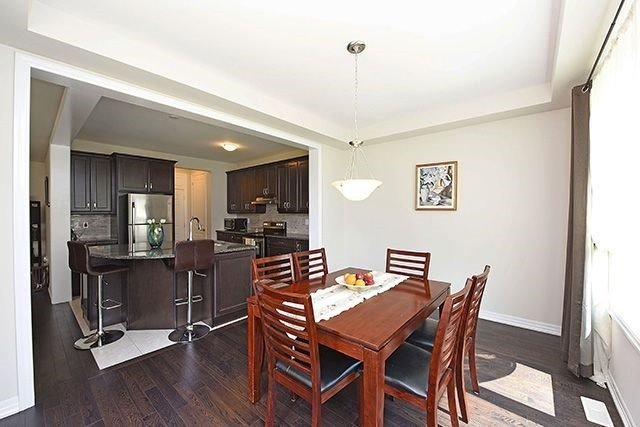 Detached at 3224 Carding Mill Tr, Oakville, Ontario. Image 20
