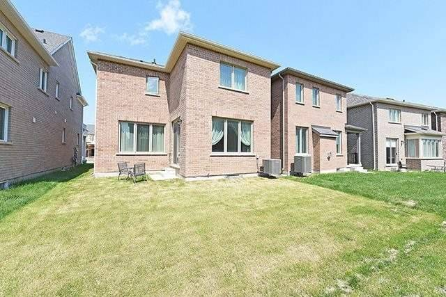 Detached at 3224 Carding Mill Tr, Oakville, Ontario. Image 13