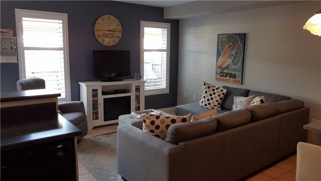 Detached at 85 Roxton Rd, Oakville, Ontario. Image 2