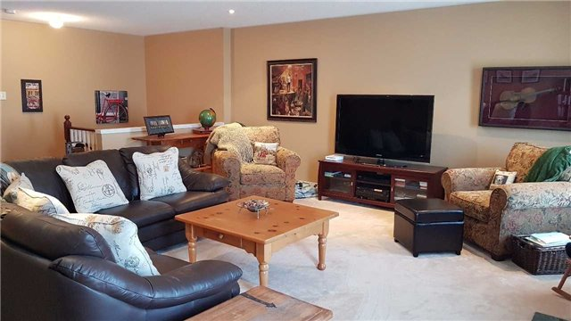 Detached at 85 Roxton Rd, Oakville, Ontario. Image 11