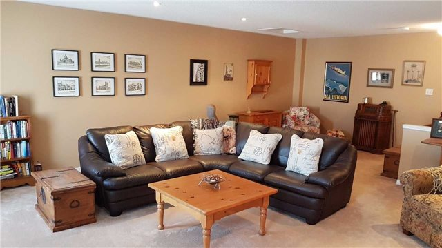 Detached at 85 Roxton Rd, Oakville, Ontario. Image 13