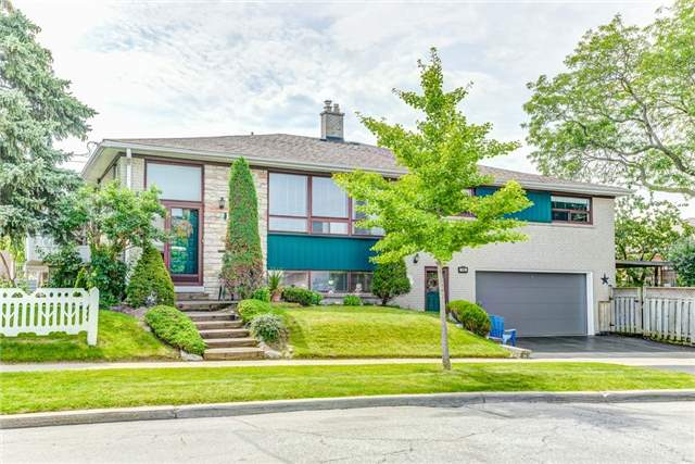 Semi-detached at 106 Duncanwoods Dr, Toronto, Ontario. Image 1